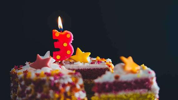 Makna Tiup Lilin Saat Ulang Tahun